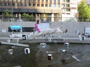 清渓川に展示されるオブジェです。定期的に変更されます。