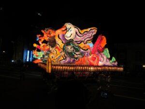 夏休みの東北旅行の「ねぶた祭り」の写真です。記事には(当然)関係ありません。