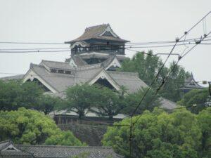 移動中に写した熊本城です