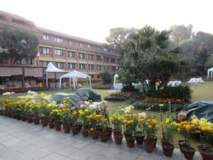 会場となったホテルの中庭です。このホテルはフェクト・ネパール発足時の会場となったホテルだそうです
