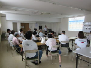 香川医療生協研修室で講演会が開かれ、約20人が参加しました